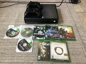 XBOX ONE BUNDLE WITH GAMES & CONTROLLERS