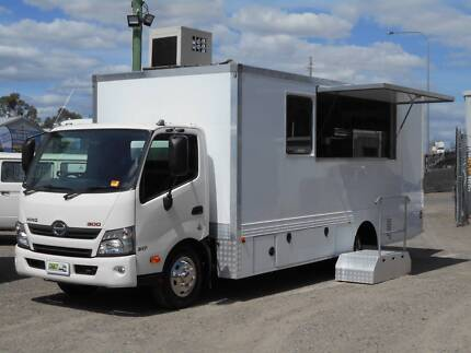 2016 Hino FOOD TRUCK Windsor Hawkesbury Area Preview