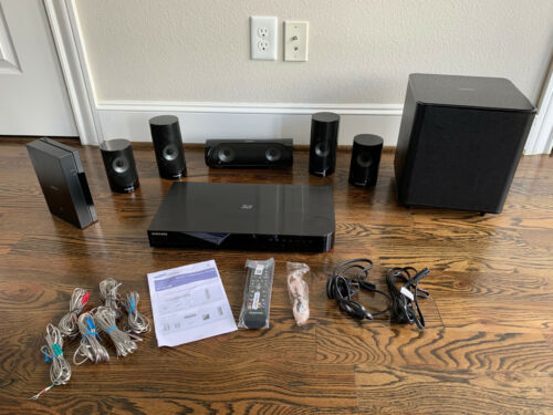 SAMSUNG  HT-J5500W  1000-Watt 3D Blu-Ray Home Theater System 2018