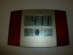 LA Crosse Technology Radio Controlled Indoor Outdoor Temperature Date Day Clock