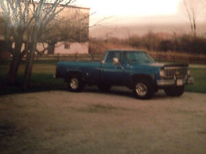 (Reduced Price) 1976 Chevy Scottsdale 4x4 Truck