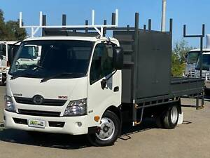 Hino 300 Series 616 | Toolboxes | Automatic | LOW KMS Windsor Hawkesbury Area Preview