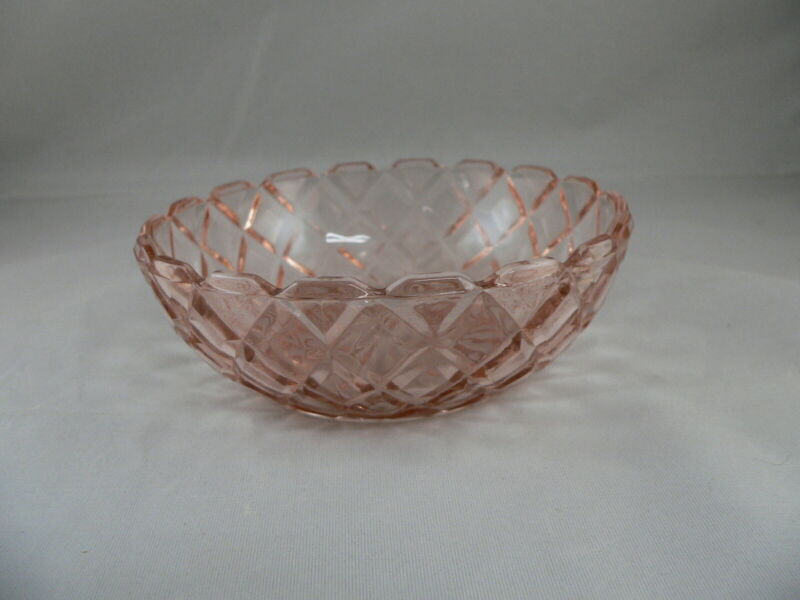 "WATERFORD ""WAFFLE"" PINK BERRY BOWL-----HOCKING GLASS CO."