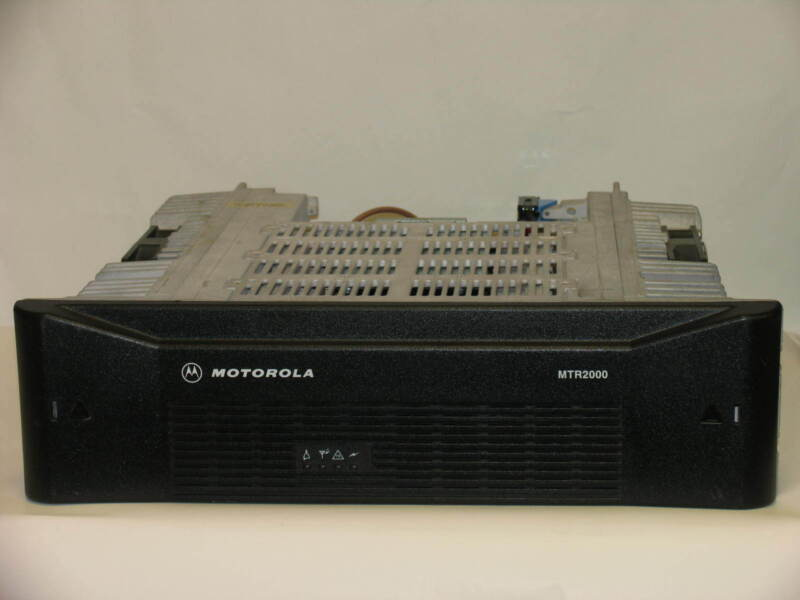 Motorola Mtr2000 Base Station Repeater Model T5766a Vhf 150-174 Mhz