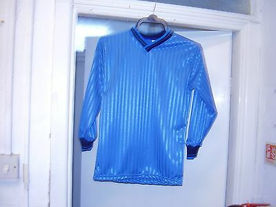 A BRAND NEW SET OF KIDS SIZE FOOTBALL SHIRTS,15X SIZE 30/32 CHEST,WILL SUIT 9-1O