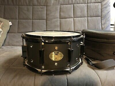 PORK PIE 7X13 VENTED LITTLE SQUEALER BLACK SATIN SNARE WITH CASE. Used.