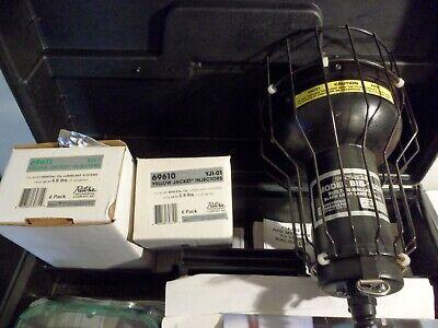 Spectroline Cc-120a Uv Black Light Kit Bib-150b Light With Dye