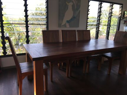 8 Seater Balinese Table