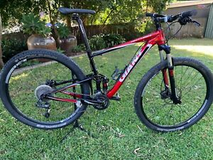 Giant Anthem X 29er 2 mountain bike in excellent condition