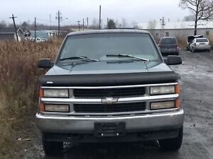 1996 Chevrolet pick up 4x4 part out