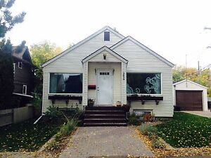 Room Available in Whyte Ave UofA Strathcona House - Must See!!