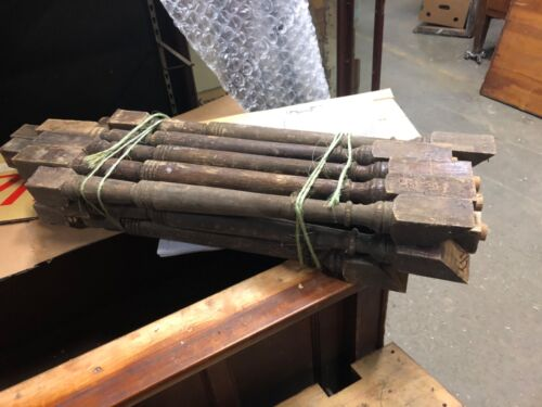 "Lot 15 vintage Victorian age turned spindle balusters old varnish 24/28"" x 1.75"""