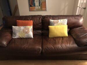 Divans en cuir / Leather sofas