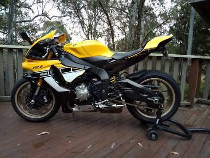 Yamaha yzf r6 motorcycles gumtree australia logan area 60th anniversary yamaha r1 fandeluxe Images