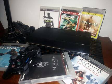 PS3 SUPER SLIM 160GB+1 CONTROLLER+6 GAMES+74 MOVIES INSTALLED