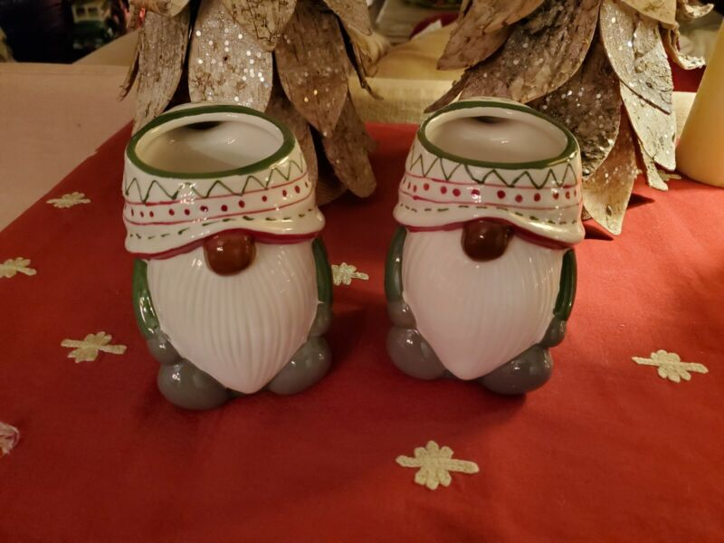 Potterybarn Gnome Christmas Coffee Cocoa Mugs Green 12 oz New With Tags Set of 2