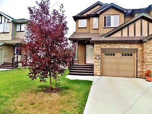 FANTASTIC 2 BDRM, 2.5 BATH, HALF DUPLEX W/ GARAGE IN WINDERMERE