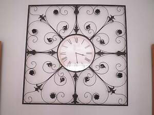 Huge Wall Clock Lake Heights Wollongong Area Preview