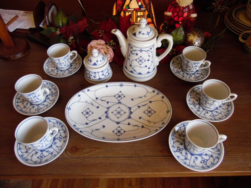 17 PIECES WINTERLING BAVARIA SCWARZENBACK GERMANY VINTAGE TEA SET BLUE & WHITE