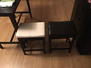 2 dining table stools