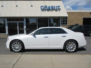 2012 Chrysler 300 Limited **PANO.**