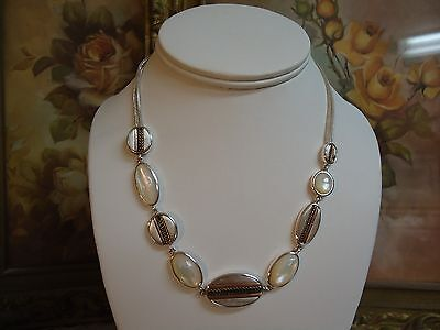 Signed LIZ CLAIBORNE Mother of Pearl Rose Yellow Silver Tone Metal Necklace