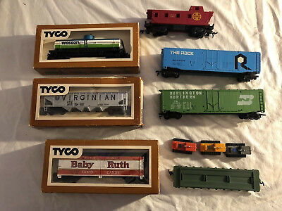 LOT of 7 TYCO Ho Electric Trains, Burlington, The Rock, Baby Ruth, Wesson ETC.
