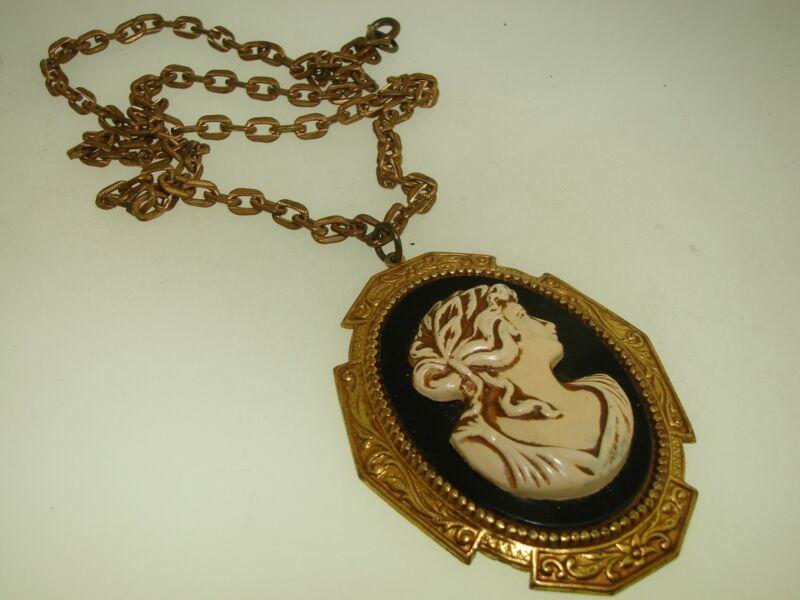 UNIQUE ANTIQUE ART NOUVEAU GOLD WASHED BRASS W/PAINTED CAMEO PENDANT NECKLACE!