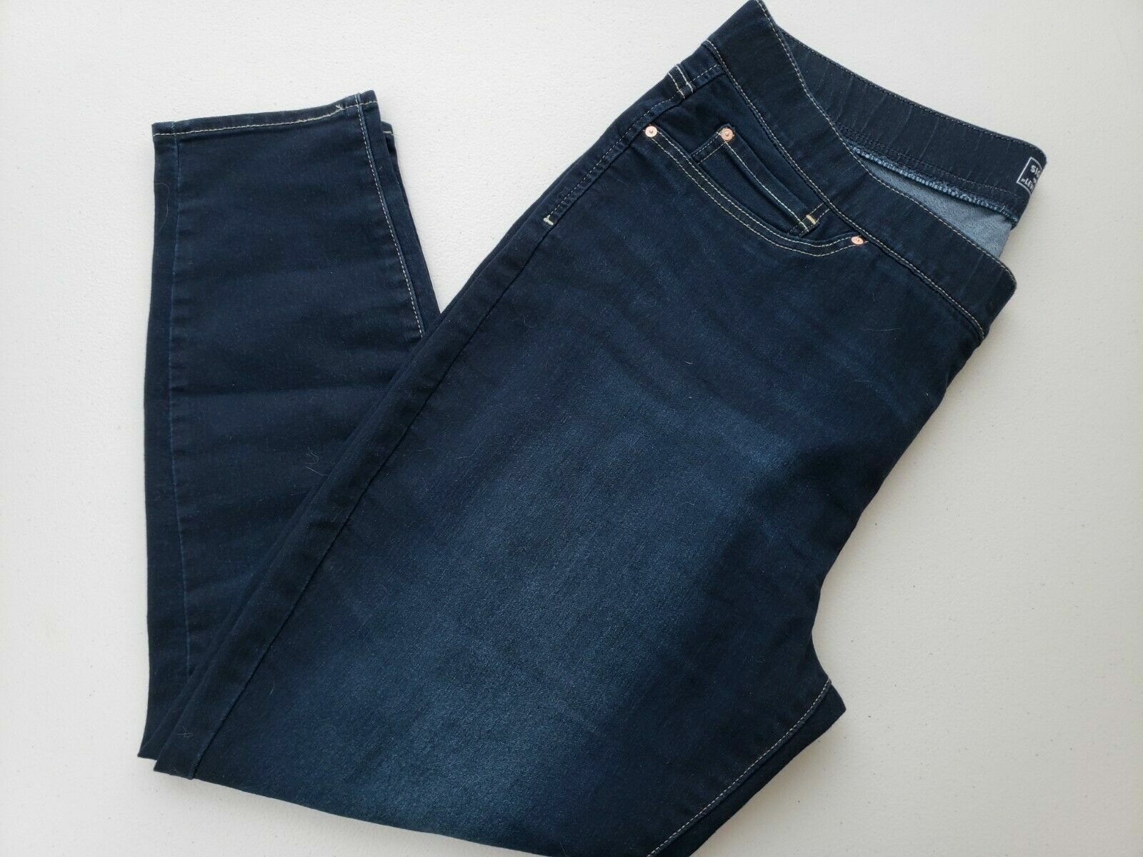 Signature By Levi Strauss & Co.Gold Label Women's Skinny Jea