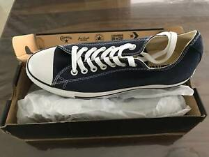 Brand new Converse shoe size EUR 43/ UK 9.5