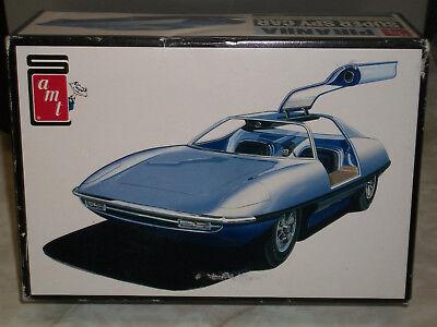 AMT 1/25 Scale Piranha Super Spy Car