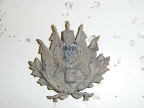 b0035 WW 1 French helmet plate supply Commissary Intendance GD1