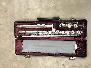 Armstrong Flute - 104 silver plated USA