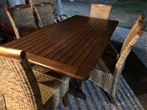 Outdoor Kwila Table & Chairs
