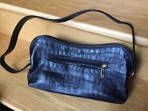 Due Fratelli Leather Handbag