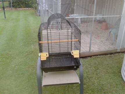 Bird cage to suit medium/large birds. Very good condition. Morningside Brisbane South East Preview