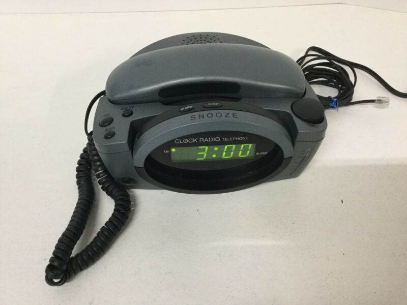 Clock + Radio + Corded Telephone CONAIRPHONE Model TCR500 Pre-owned E1