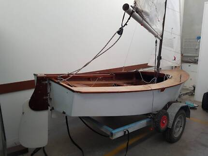 Gaff-rigged Heron Sailing Dinghy