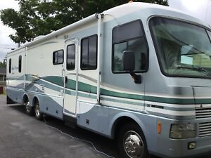 1999 36ft Pace Arrow with Slide REDUCED