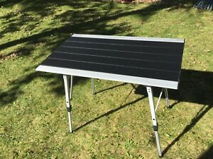 "Table de camping en aluminium 20""x36"" avec sac de transport"