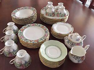 Set de vaisselles Royal Albert
