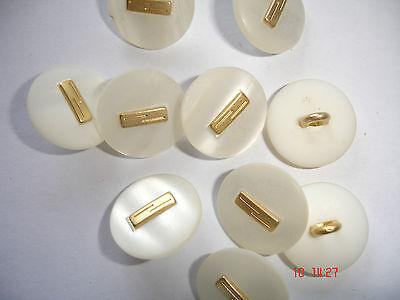 5 Knöpfe perlmuttig weiß mit goldigem Metalleinleger 17mm Annähöse W42.12