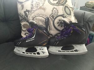 Hockey skates size 3D. Youth
