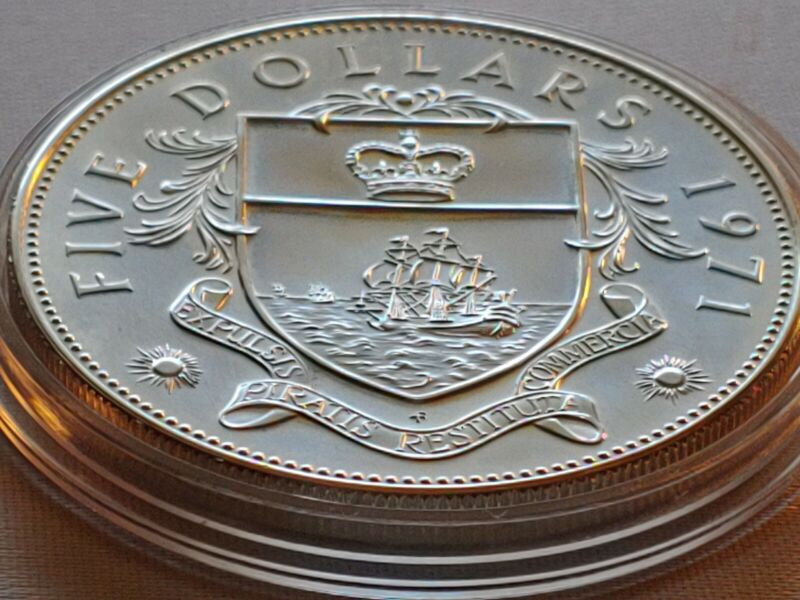 ABOUT UNCIRCULATED SILVER .925 SILVER 1971 BAHAMAS $5 DOLLARS 45MM w HOLDER