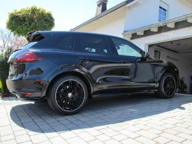 occasion porsche cayenne dsportdesignvollederluftfbosecarbon 208843370. Black Bedroom Furniture Sets. Home Design Ideas