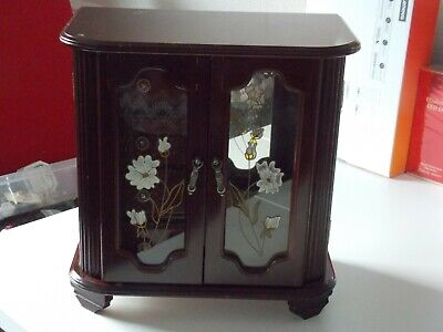 LARGE VINTAGE MUSICAL WOODEN CABINET DESIGN JEWELLERY BOX