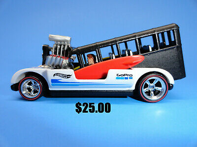 Hot Wheels Custom Go Pro Surf Bus with Rubber Tires And Driver Figure