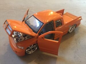 Diecast jada dub city dodge ram