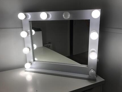 Light Up Lumiére Vanity Mirror 750 x 620mm