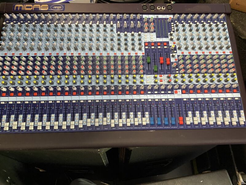 Midas Venice 320 32-Channel Analog Mixing Console Sound Board